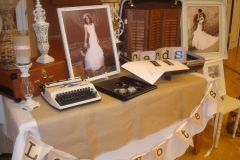 Utahs wedding photobooth decor