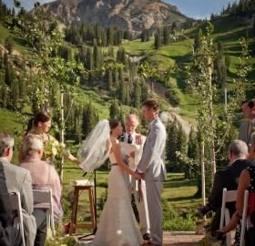 Mountain Wedding Venues.Beautiful Utah Mountain Wedding Venue Alta Lodge Salt